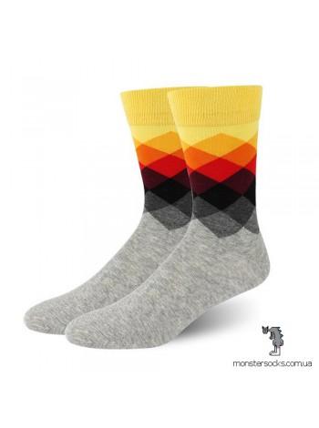 Шкарпетки з кольоровими ромбами і сірою основою
